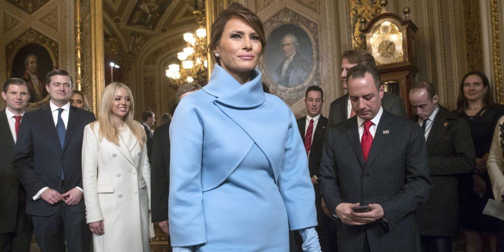 La robe bleue Jackie-O