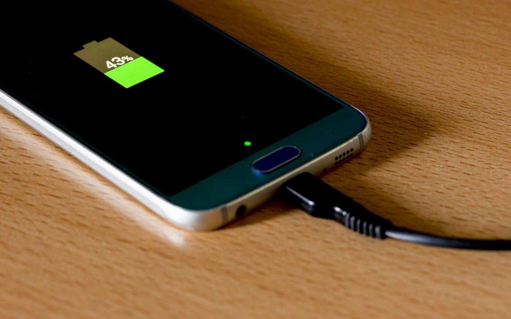 des smartphones Samsung sans chargeurs pour des raisons environnementales
