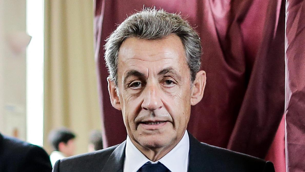 Nicolas Sarkozy cartonne en librairie avec son livre