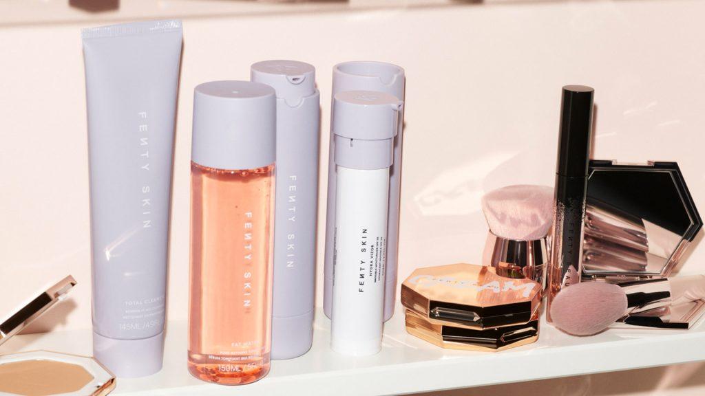 Des produits de soin de visage