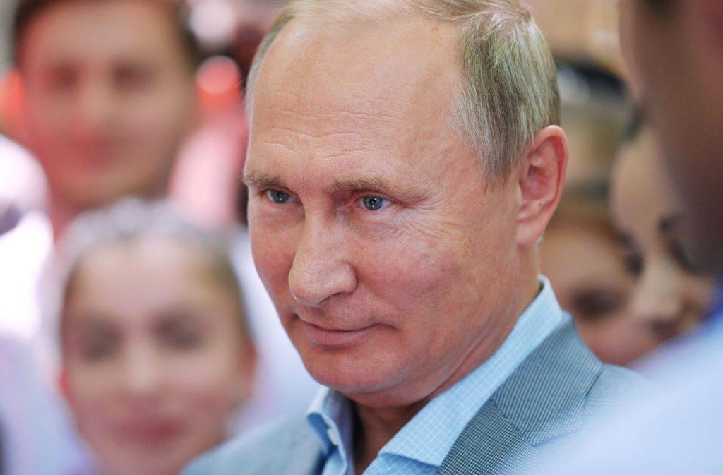 Vladimir Poutine un vcontre le coronavirus