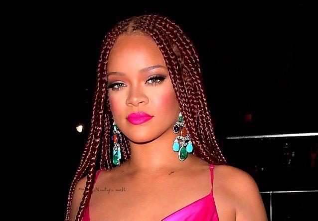Rihanna cheveux vin chaud