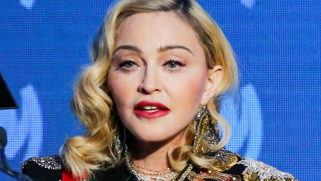 Madonna Travaille sur un scénario