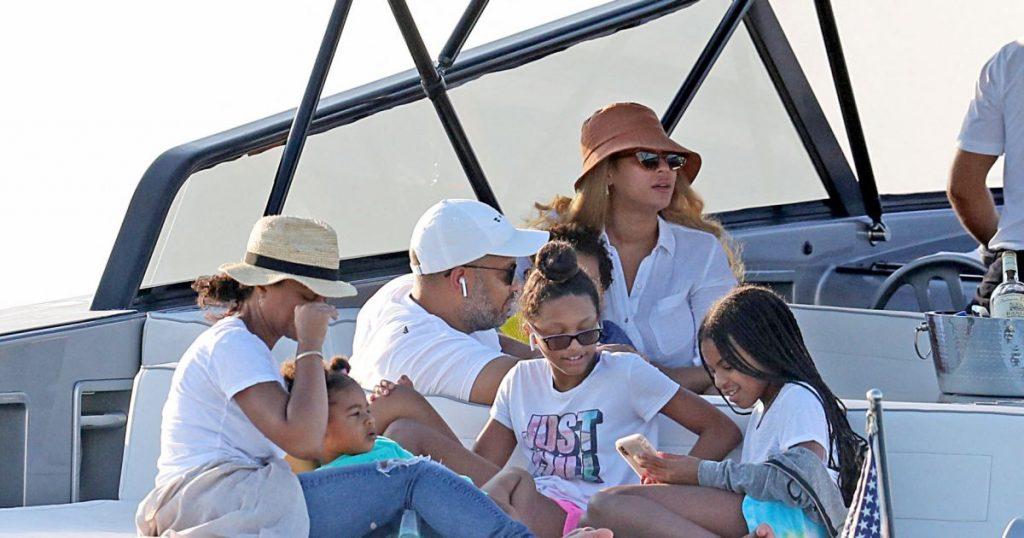Beyoncé: Vacances en Europe en famille sur un yacht à 2 millions!