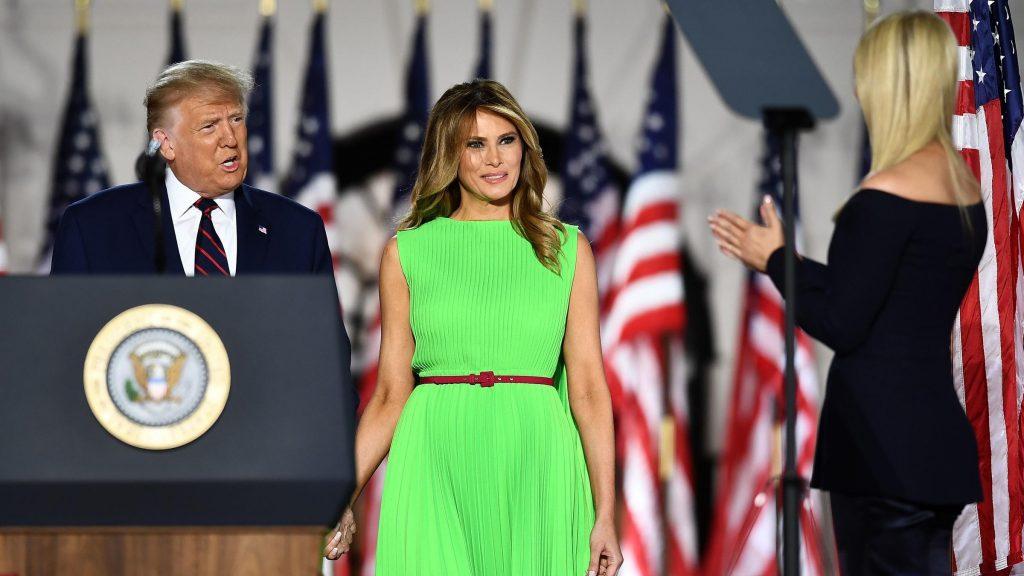 Melania Trump se démarque