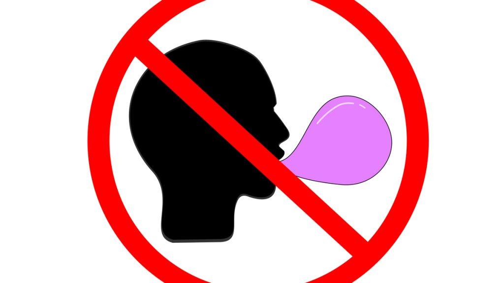 Interdiction de mâcher un chewing gum