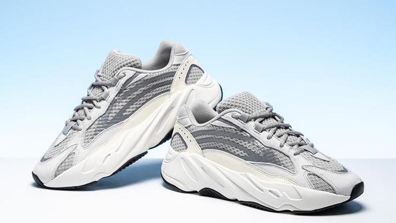 Adidas : Yeezy 700 V2 Static