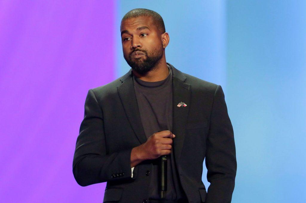 Kanye West reçoit un ultimatum