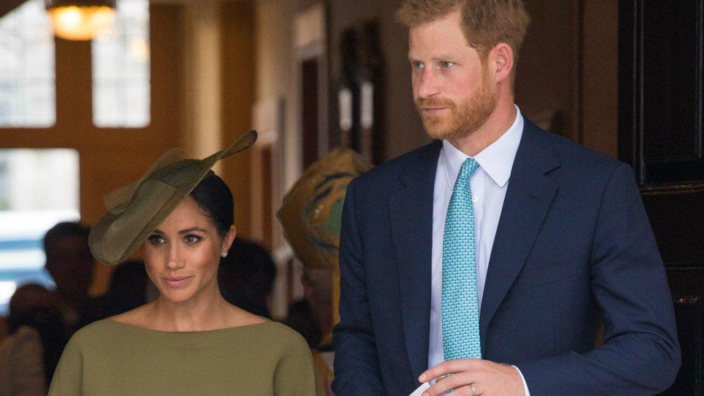 La famille royale snobe l'épouse du prince Harry de ses vœux !