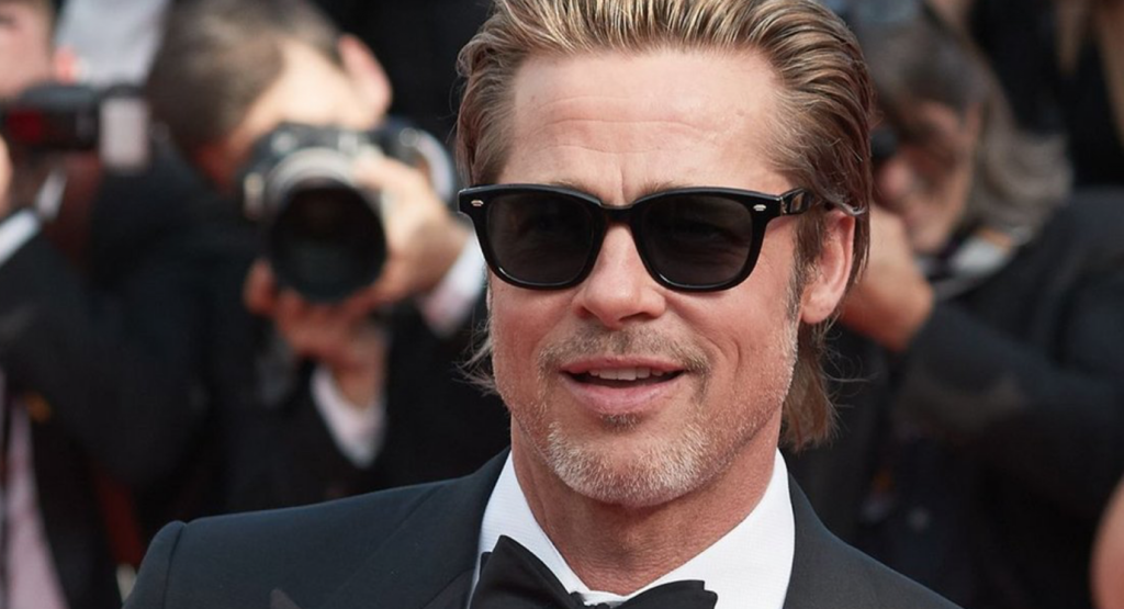 Brad Pitt  surprend