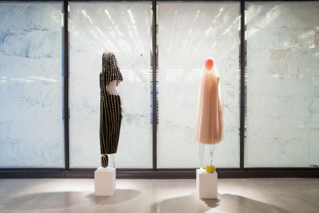 Fashion Curating: une nouvelle technique influente de mode et culture