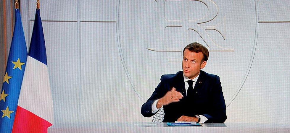 Emmanuel Macron annonce le couvre feu