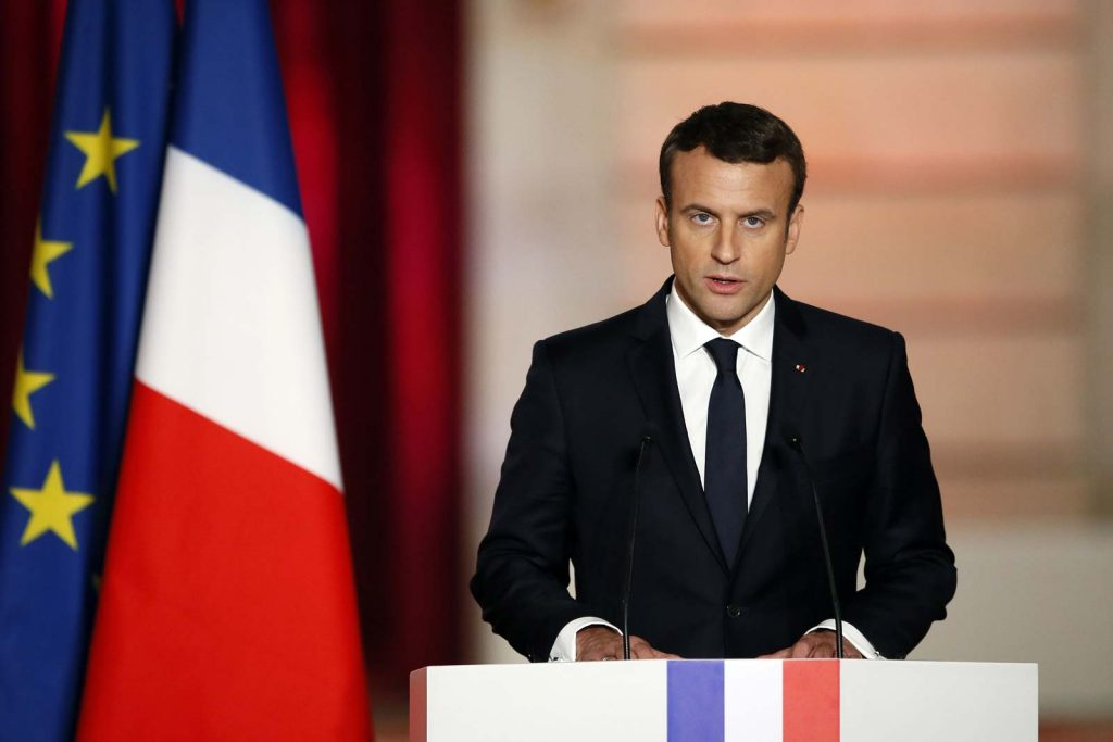 Emmanuel Macron : La réaction des célébrités suite à son annonce !