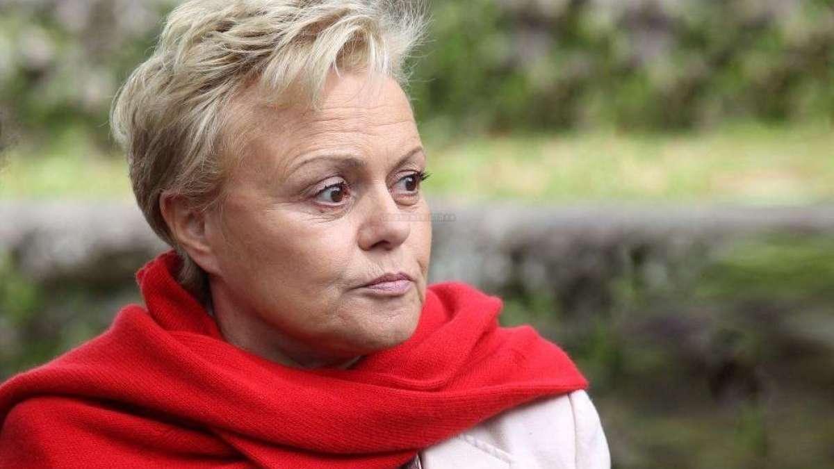 Muriel Robin furieuse contre Emmanuel Macron