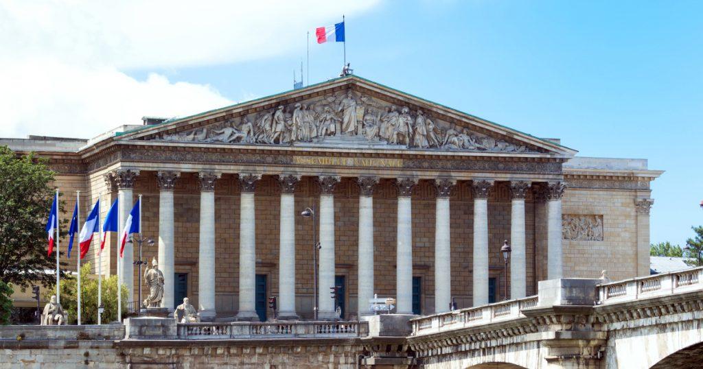 Olivier Véran : Le ministre explose à l'assemblée nationale !