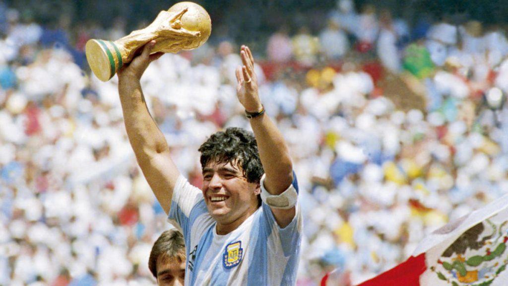 Diego Maradona : La mort d'un joueur emblématique