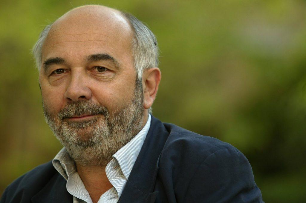 Gérard Jugnot tacle le train de vie de certains influenceurs.
