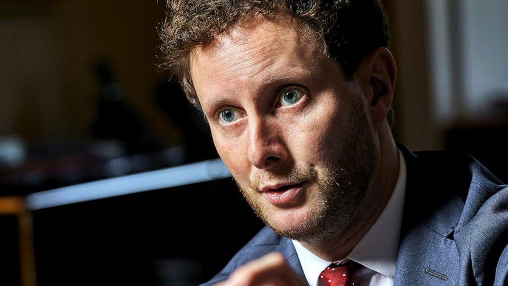Clément Beaune : Le secrétaire d'État assume « Je suis gay »