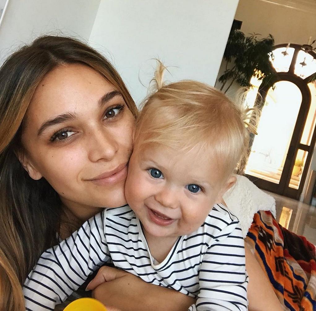 April Love Geary et sa fille