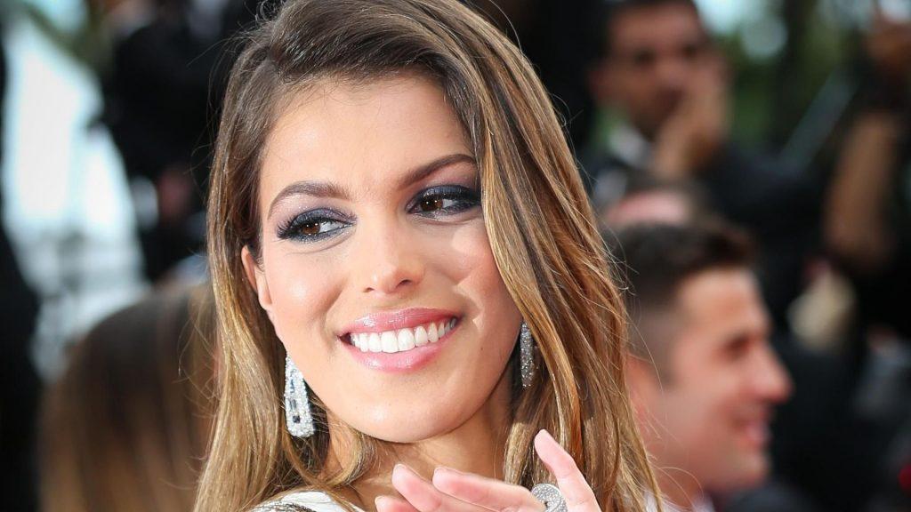 « Je pense que la vie de Miss France n'est pas une année facile pour être en couple. »