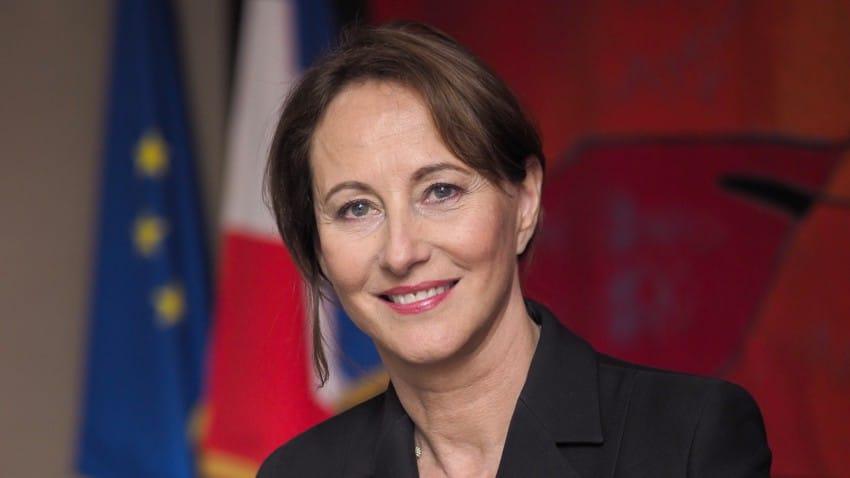 L'ex-ambassadrice aborde son rôle de maman