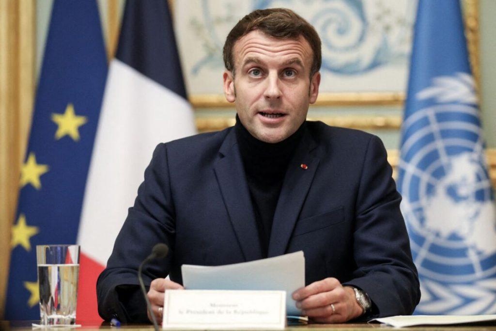 Emmanuel Macron le fait-il exprès ?