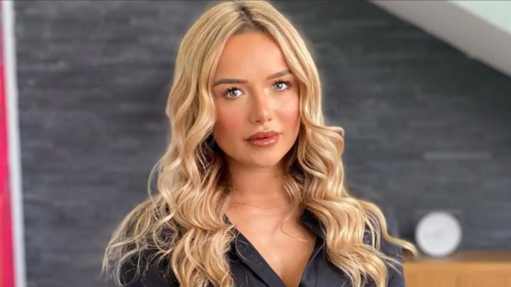 Victoria Mehault