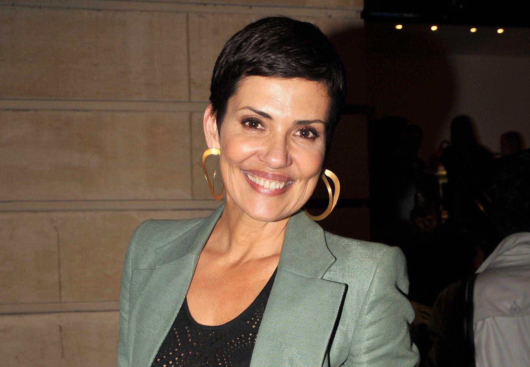Cristina Cordula.. Elle dévoile une photo unique avec son Roi du shopping