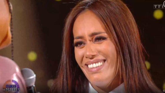 Amel Bent - En larmes en retrouvant sa sœur May sur scène !