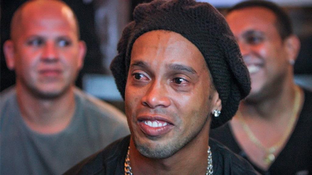 Ronaldinho en deuil : Sa tendre maman est décédée du Covid-19 !