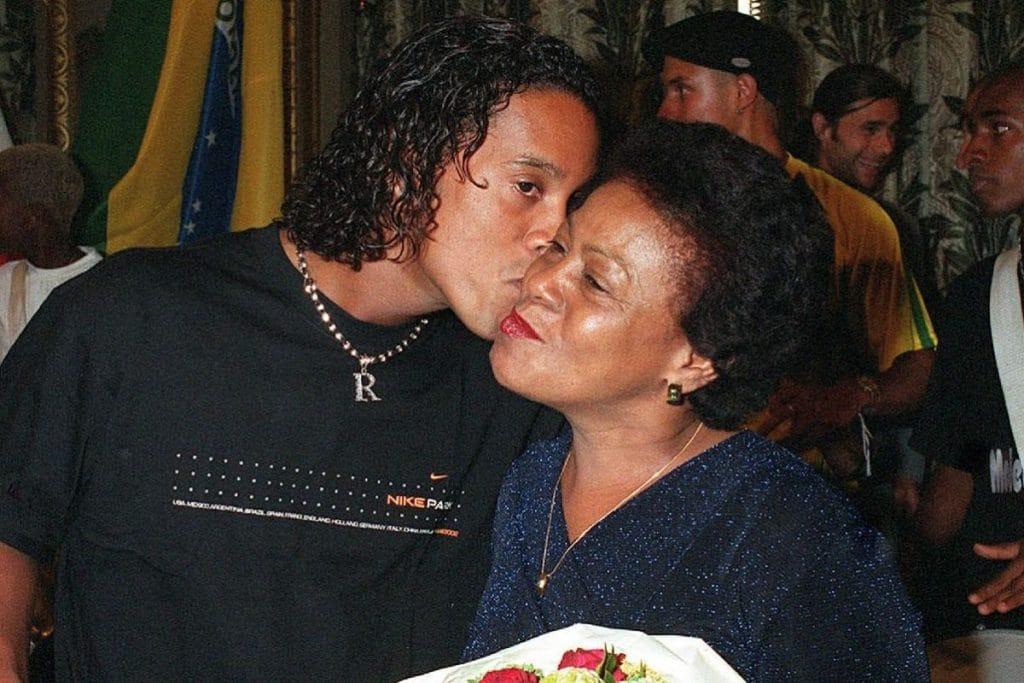 Ronaldinho proche de sa maman