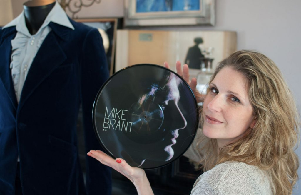Yona Brant se confie sur le suicide de Mike Brant.. Elle a des doutes !