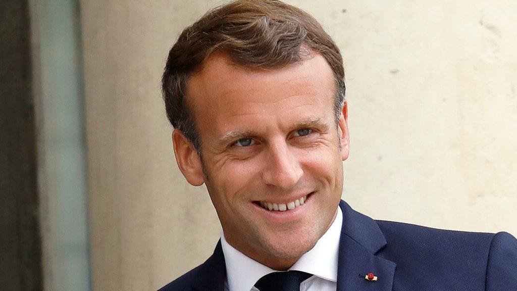 Emmanuel Macron à son chevet !