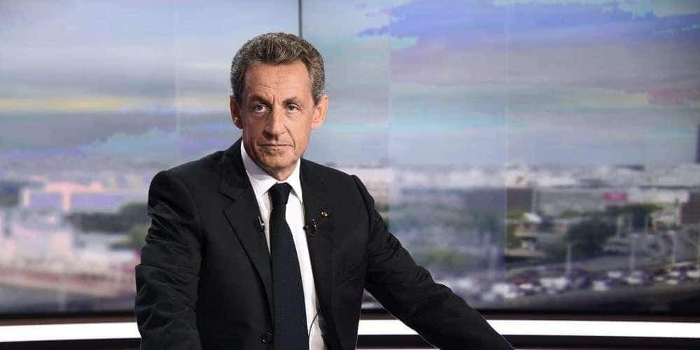 Nicolas Sarkozy : « Je vais prendre un ciseau »
