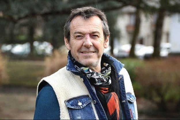Jean-Luc Reichmann : Il assume enfin sa tâche de vin qu'il cachait