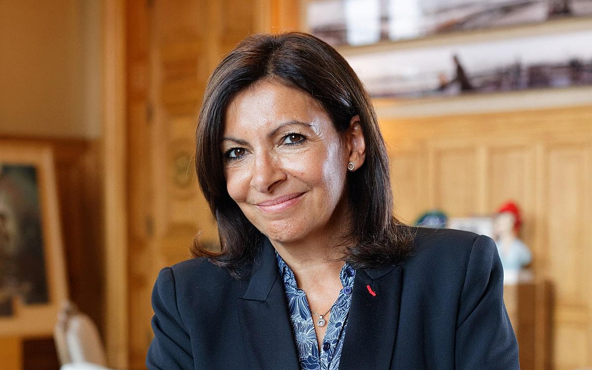 Anne Hidalgo critique violemment le président Emmanuel Macron
