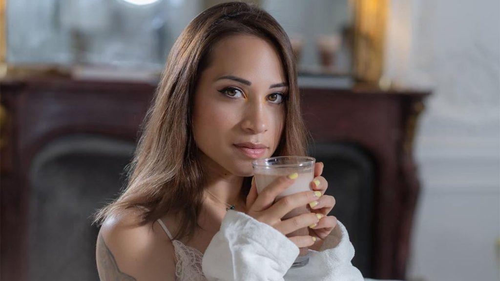 Cécilia : Elle annonce son célibat et son gros changement de vie !