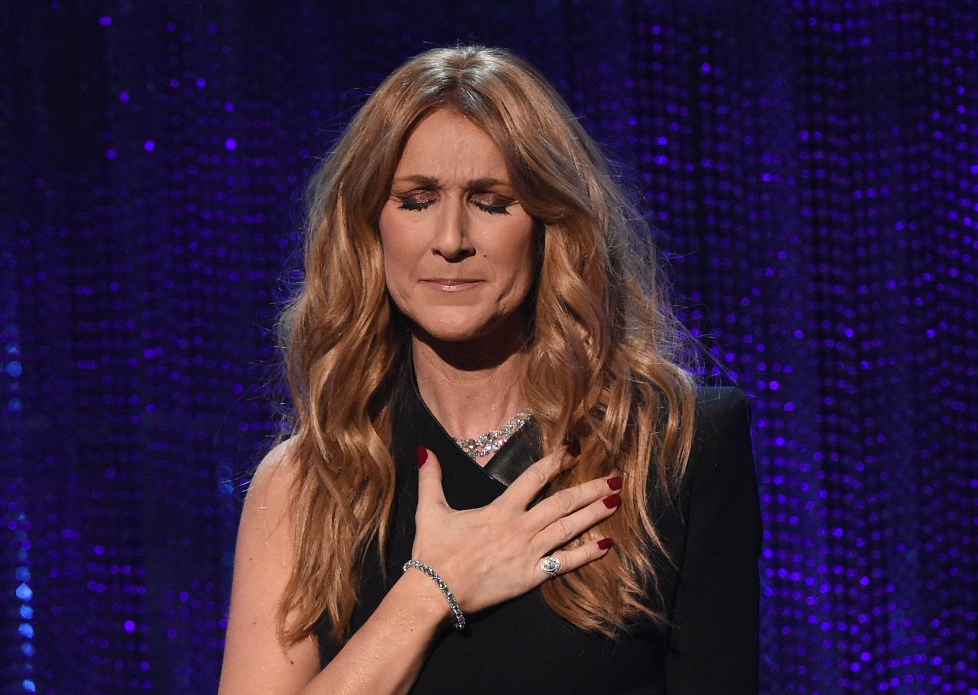 La star Céline Dion pleure Jim Steinman. Le génie de la musique est mort.