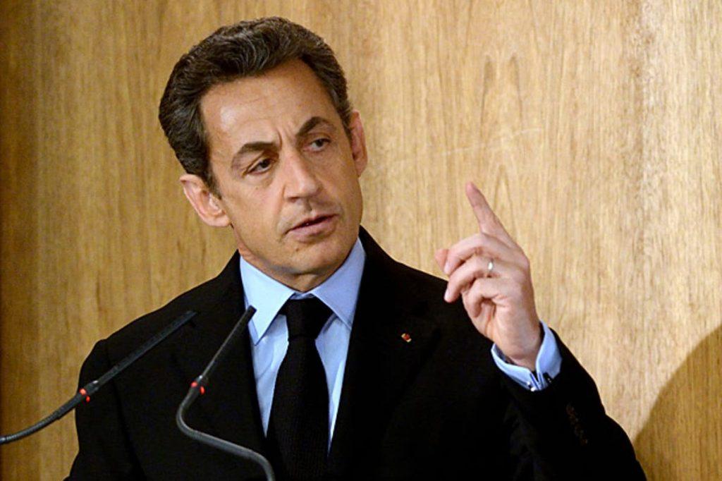Nicolas Sarkozy appelle un politique très occupé