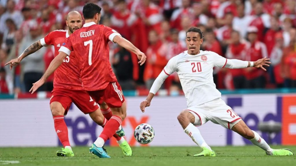 Danemark 4-1 Russie :
