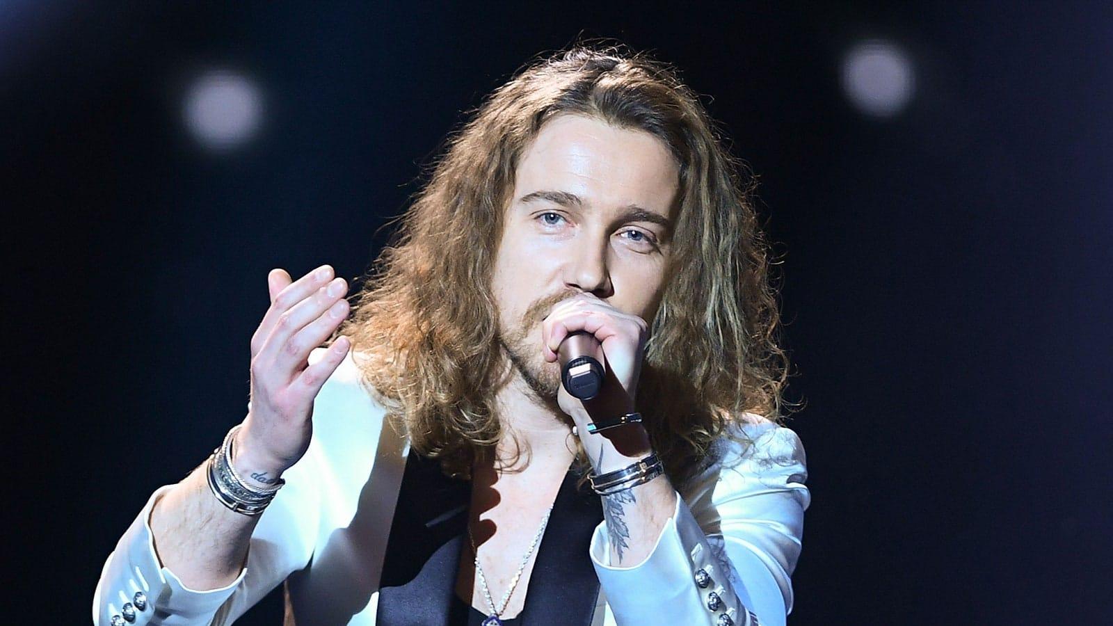 Julien Doré : Le chanteur reporte sa tournée à février 2022