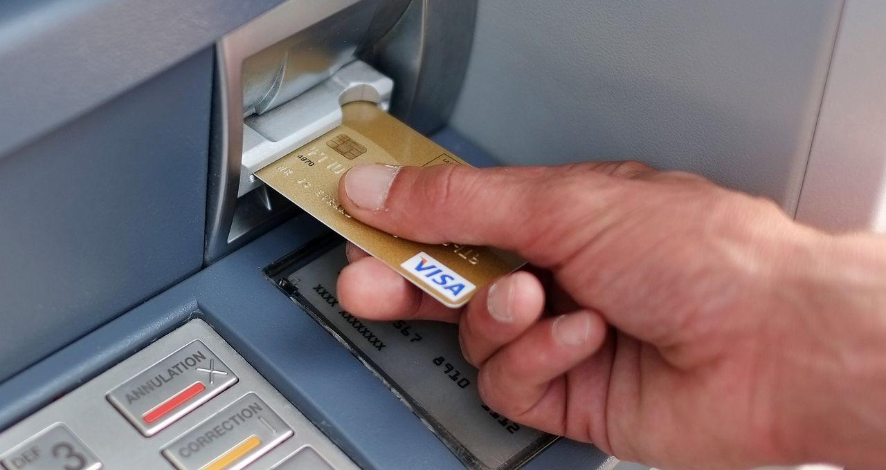 Cartes bancaires : Une pénurie mondiale se profile en 2022