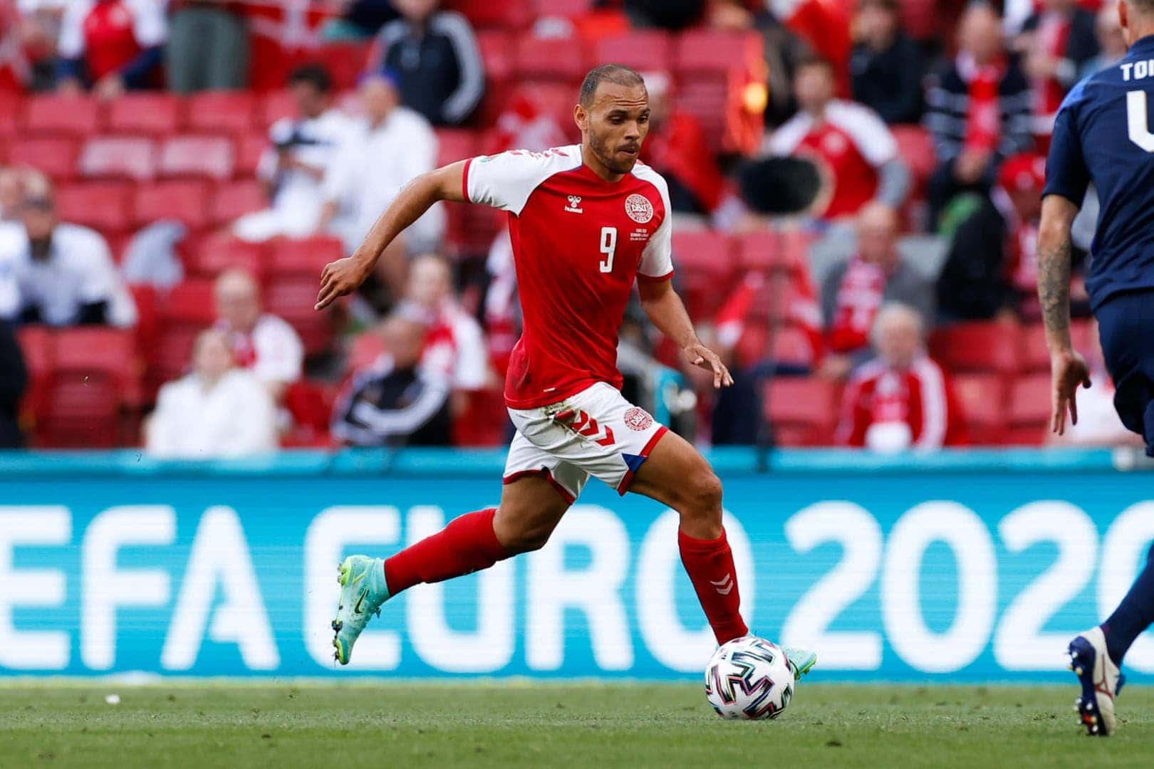 Denmark 4-1 Russia : Extraordinary Danes!