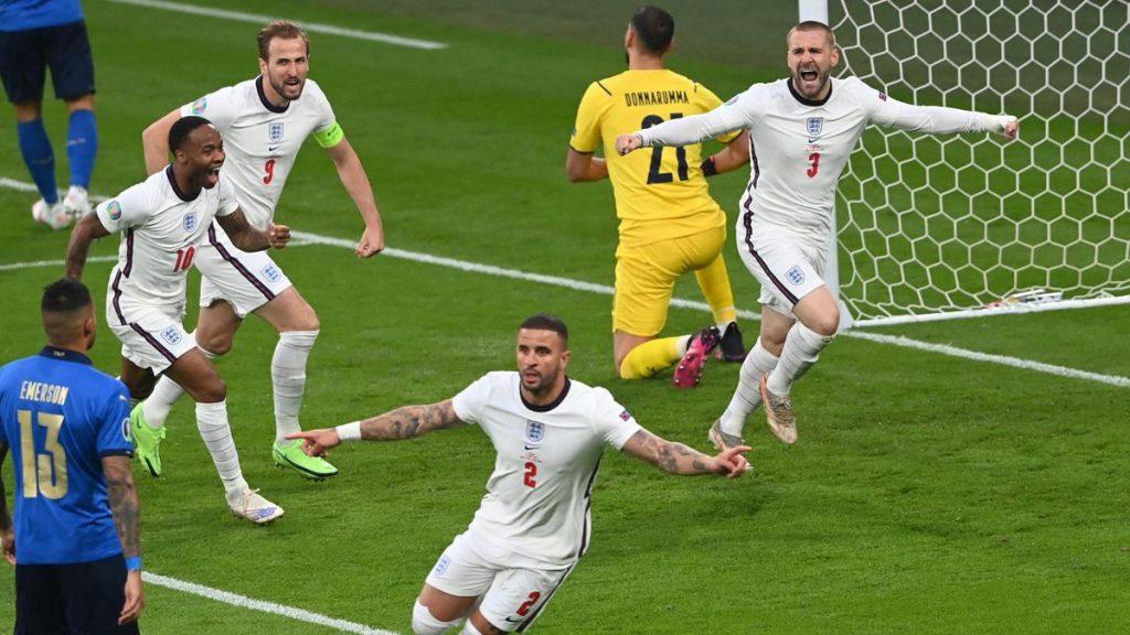 Angleterre 1-1 Italie.