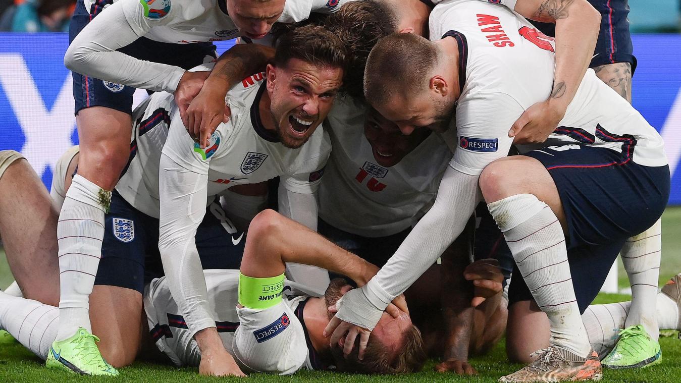 Angleterre 2-1 Danemark. L' Angleterre rejoint l Italie en finale!