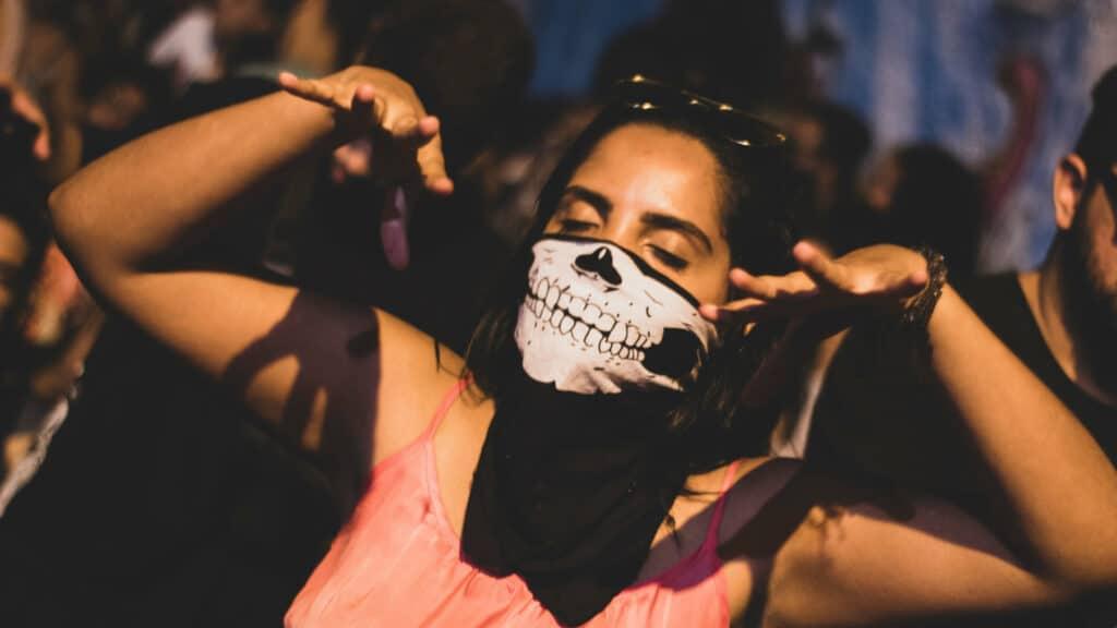 Concerts : Le port du masque ne serait désormais plus obligatoire !