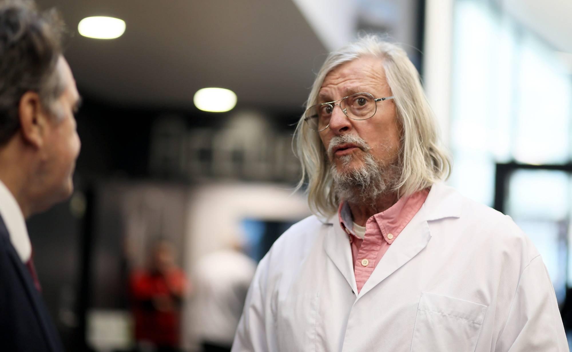 Didier Raoult... - Il soutient la vaccination systématique des soignants