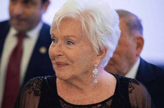 Line Renaud a célébré son 93e anniversaire dans un endroit très discret !