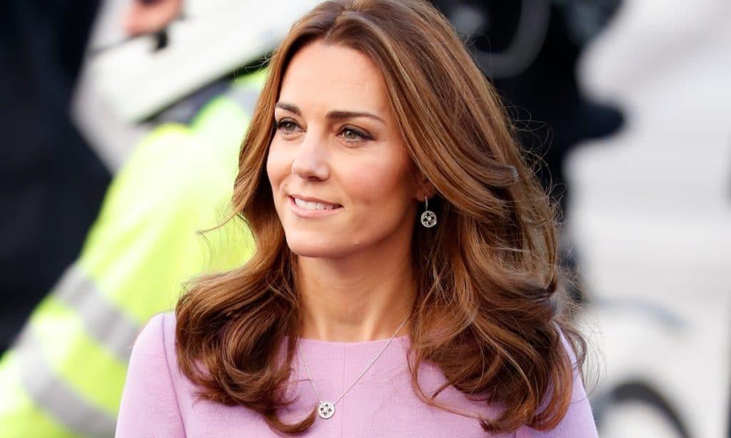 Kate Middleton prend en charge les titres du Prince Harry !
