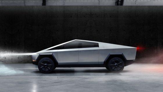 Tesla confirme enfin que le Cybertruck est reporté à 2022